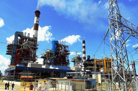 Trabajan en Cuba para estabilizar servicio eléctrico tras averías